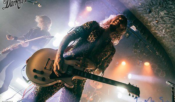 Concert Blog: The UKs The Darkness Show Seattle Rock Is Still Alive (via KISW)
