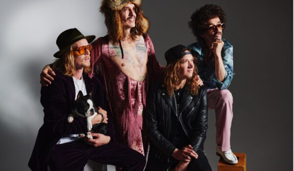 The Darkness release new single ´Nobody Can See Me Cry´from forthcoming album Motorheart!